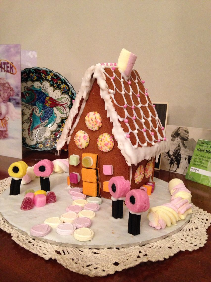 Gingerbread house, because Chloë doesn't like Christmas cake!