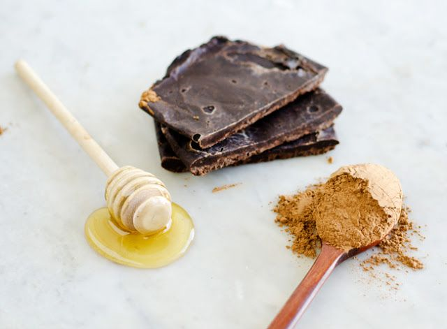 Sweet Roots {Infusions of Herbal Living}: Mommy Monday: 3 Ingredient Carob Bars