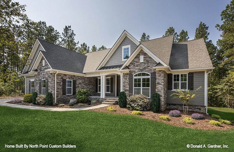 Home Plan The Satchwell By Donald A Gardner Architects Craftsman Style House Plans Barn Style House Plans Craftsman House Plans