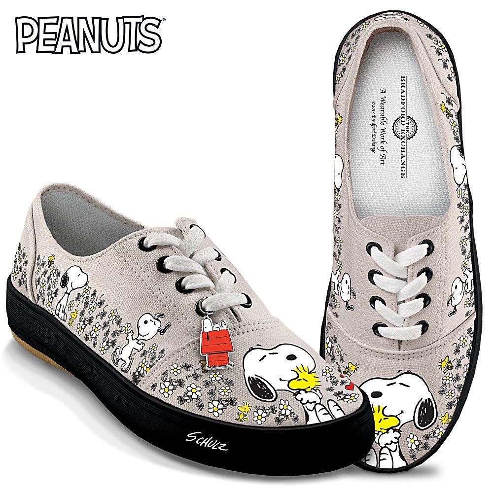 Sneakers 2019 donne, due novità con Hello Kitty e i Peanuts