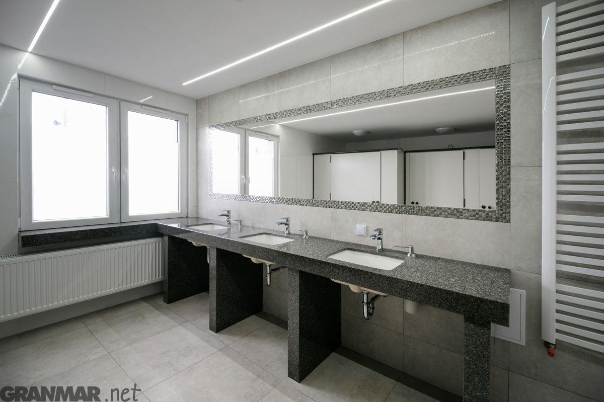 Wnętrze łazienki Przychodni życie Do Której Wykonaliśmy