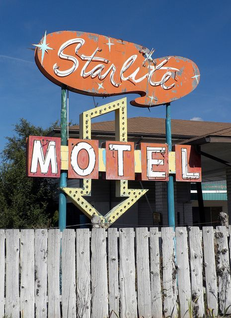 Starlite Motel (vintage neon sign) by arbyreed