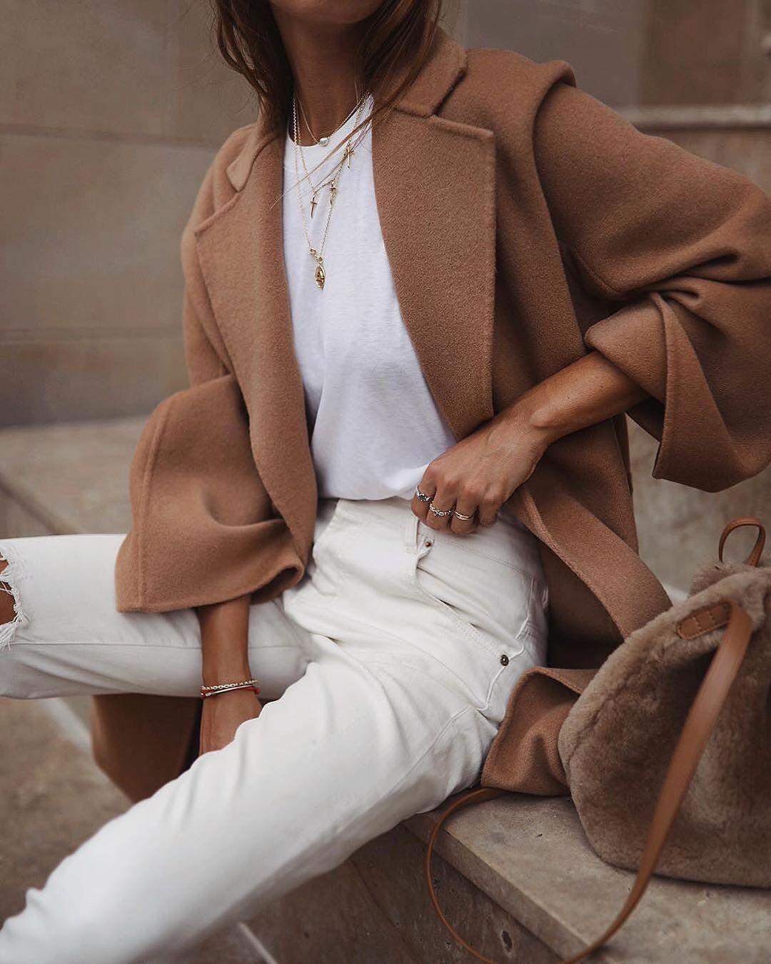 Combina jeans bianchi: come funziona in autunno e in inverno #goingoutoutfits all …