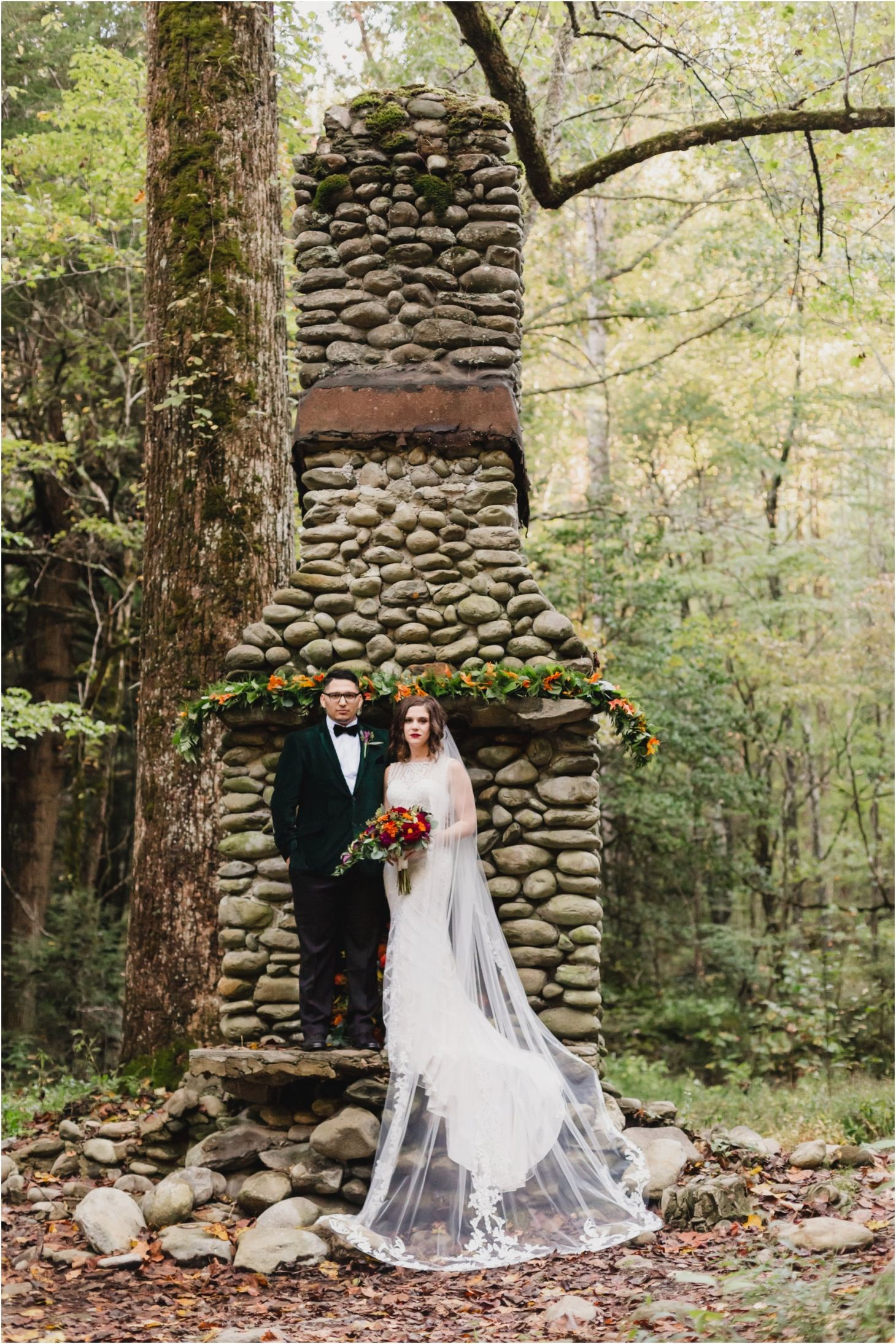 Elkmont Elopement In The Great Smoky Mountains National Park In Gatlinburg Tennessee Near Spe Gatlinburg Weddings Smoky Mountain Wedding Gatlinburg Elopement