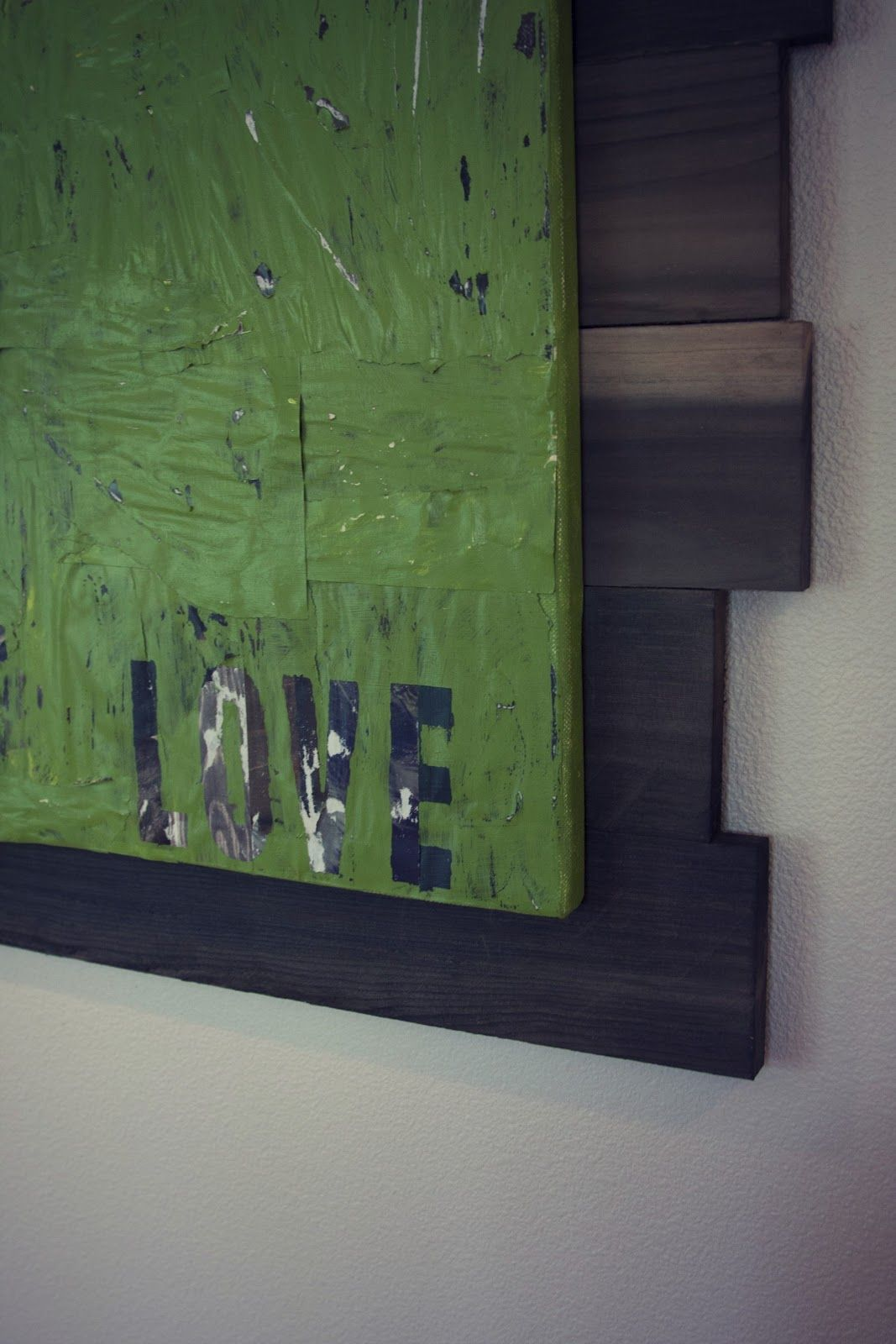 Easy tutorial on diy pallet frame with diy wood stain plus diy