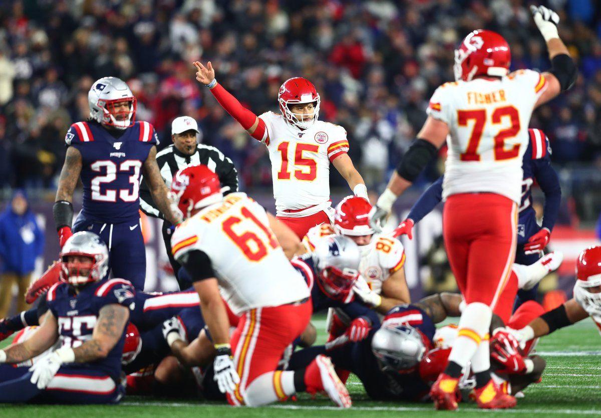 Chiefs Snap Patriots 21 Game Home Winning Streak Clinch Afc West Title Patriots Hip Injuries Julian Edelman