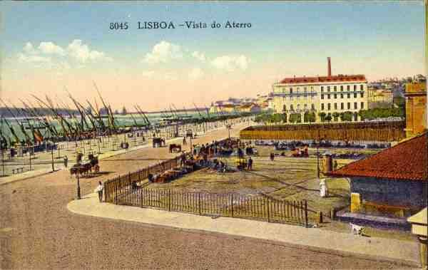 N.º 8045 - Lisboa. Vista do Aterro - Sem Editor - S/D - Dimensões: 13,9x8,8 cm [306169] - Col. Aurélio Dinis Marta.