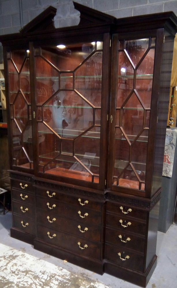 Stickley Colonial Williamsburg Mahogany Two Piece Breakfront China Cabinet  #Stickely #Traditional