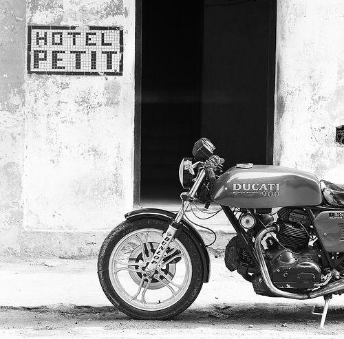 The Cuba Hasselbald session | Ducati 900 near Malecon | #bw #blackandwhite #black #white