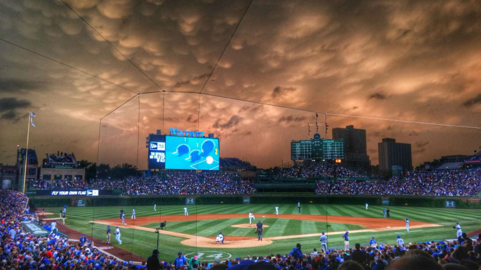 Wrigley Field Sky Looks Like Scene From Disaster Movie Wrigley Field Chicago Sports Chicago Cubs