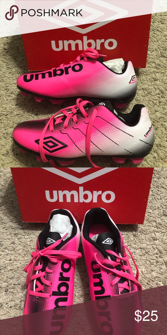 3b507bd5d02f New Girls Umbro Arturo Soccer Cleats Brand new in the original box. Girls  size 5. Great pair of starter cleats to get them started on the pitch!