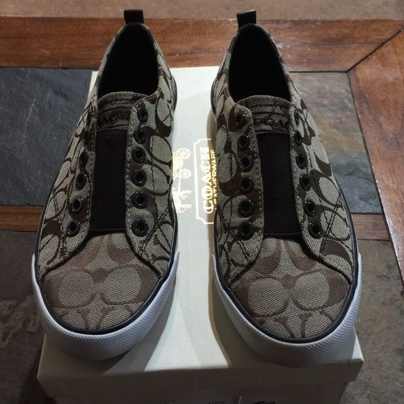 COACH SLIP ONS 12 cm Signature Cs Coach. Khaki/Chestnut summer sneakers. New condition. Excellent CONDITION Coach Shoes Sneakers