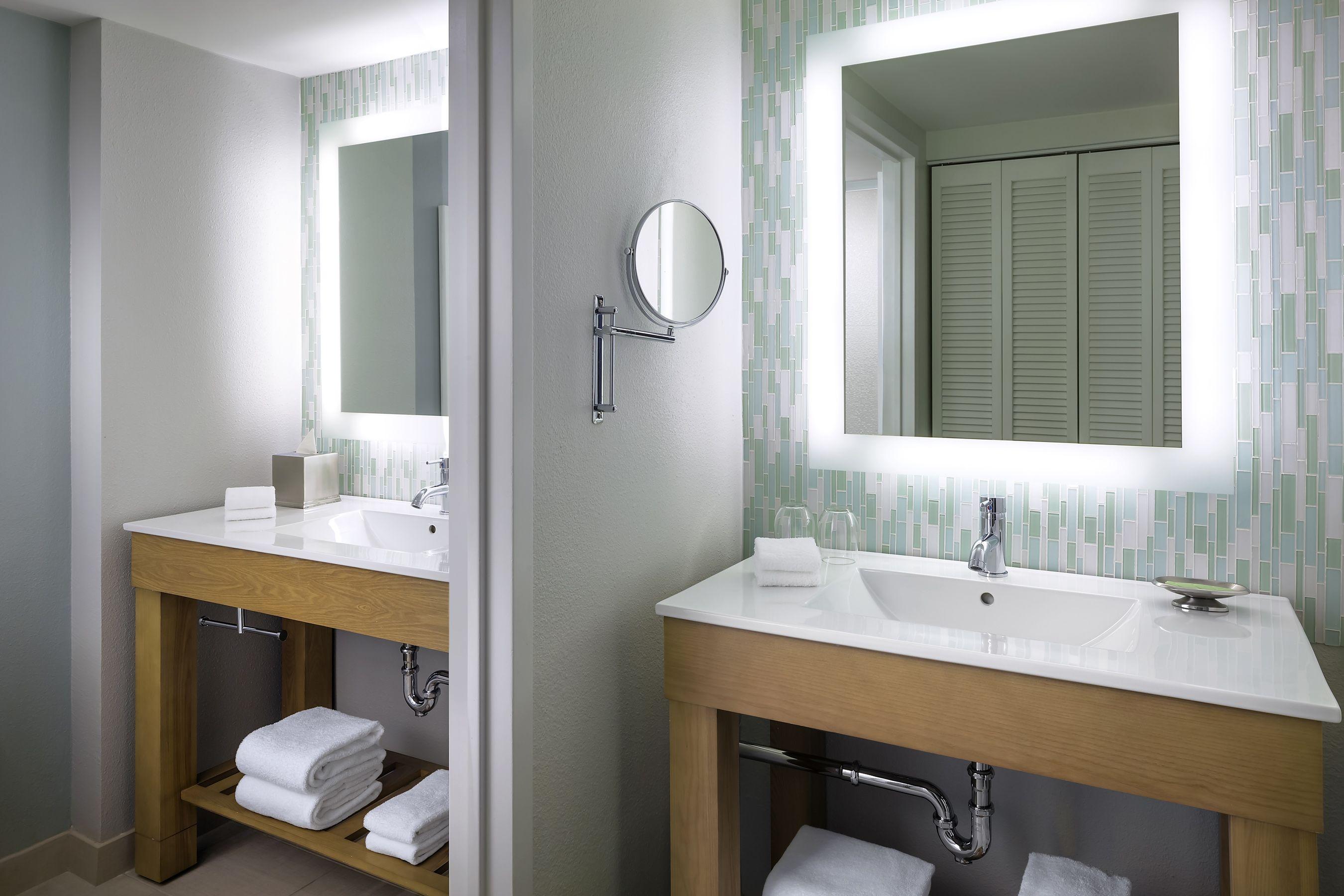 walt disney world swan and dolphin hotel finishes swan guest room rh pinterest com