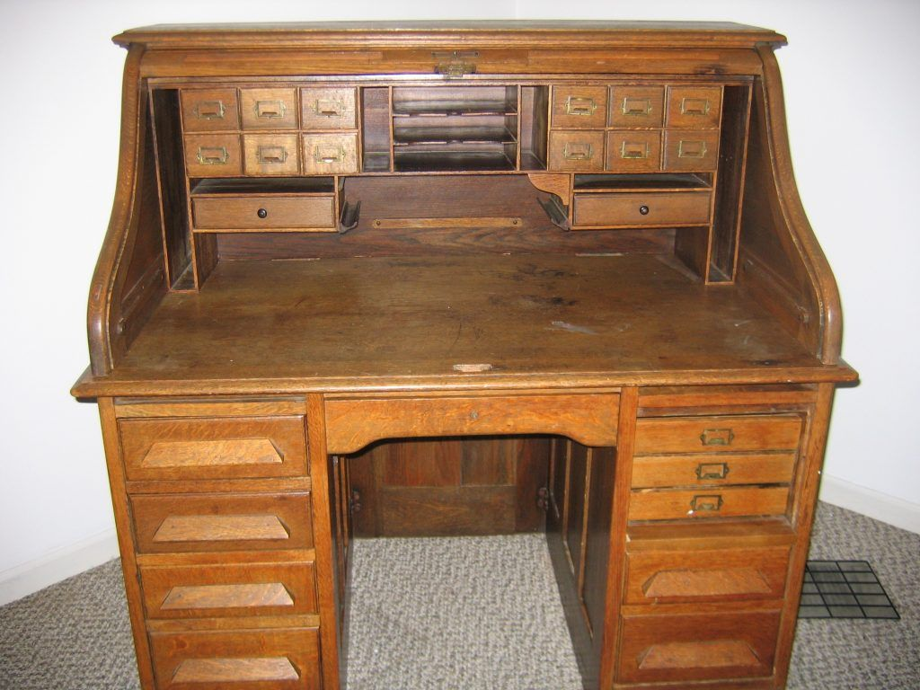 http://antiquefurnituredesigns.com/desk/antique-oak-roll- - Http://antiquefurnituredesigns.com/desk/antique-oak-roll-top-desk