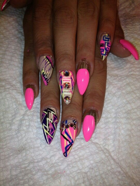 Lovin the abstract nail design on these almondlettos...almond-stiletto  shape! - Lovin The Abstract Nail Design On These Almondlettos...almond
