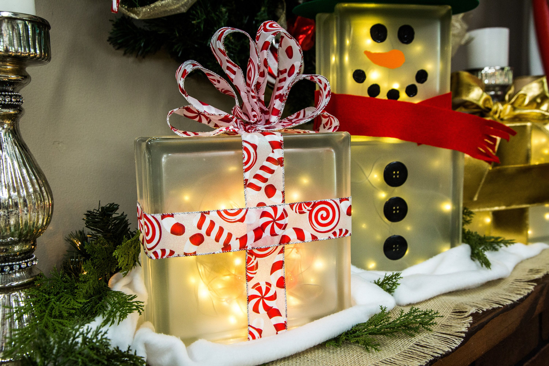 Simple And Festive Diy Lighted Glass Box Snowman Boxby Maria