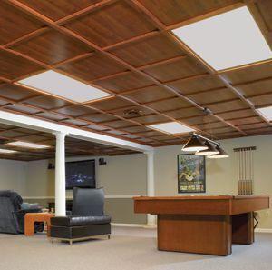 Photo of Aufenthaltsraum mit lackierbaren Woodtrac-Deckenpaneelen (Abbey Oak)., #Abbey #ceiling #Oak …