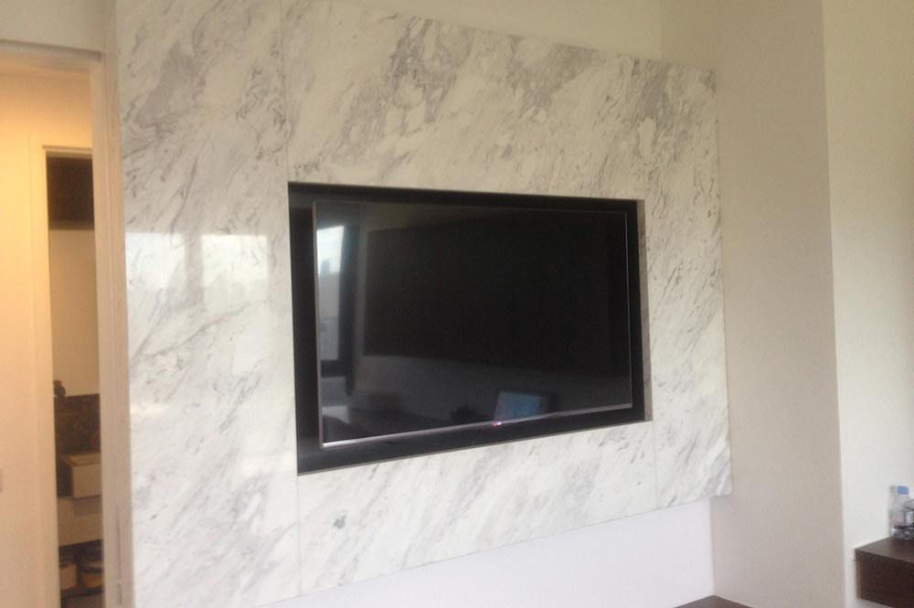 Volakas marble tv feature wall tv feature wall marbles for Feature wall ideas living room tv
