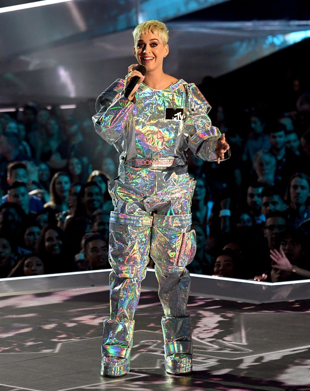 Everything Katy Perry Wore to Host the MTV VMAs  Katy perry