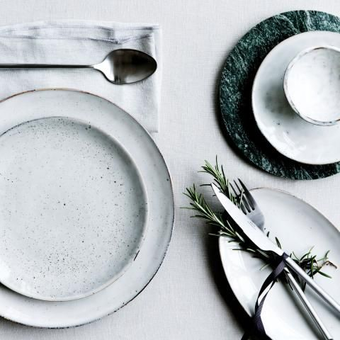 Schönes Keramik-Geschirr