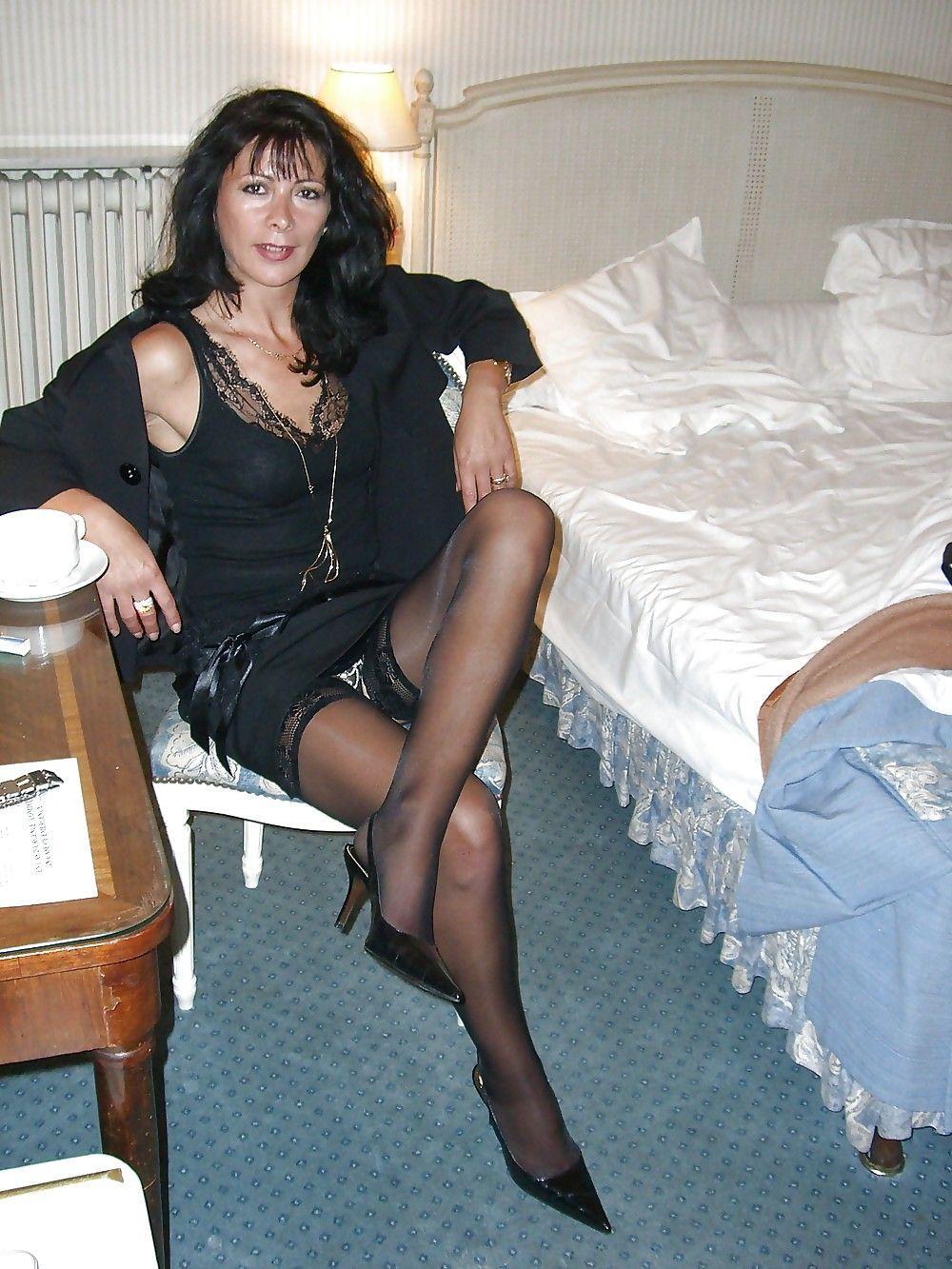Sexy Mature Black Womenin Stockings 17