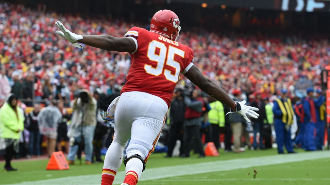 Even With The Prospect Of Losing Chris Jones The Kansas City Chiefs Will Retain An Iron Grip On The Afc West In The Nfl S 20 In 2020 Nfl Free Agent Kansas City Chiefs