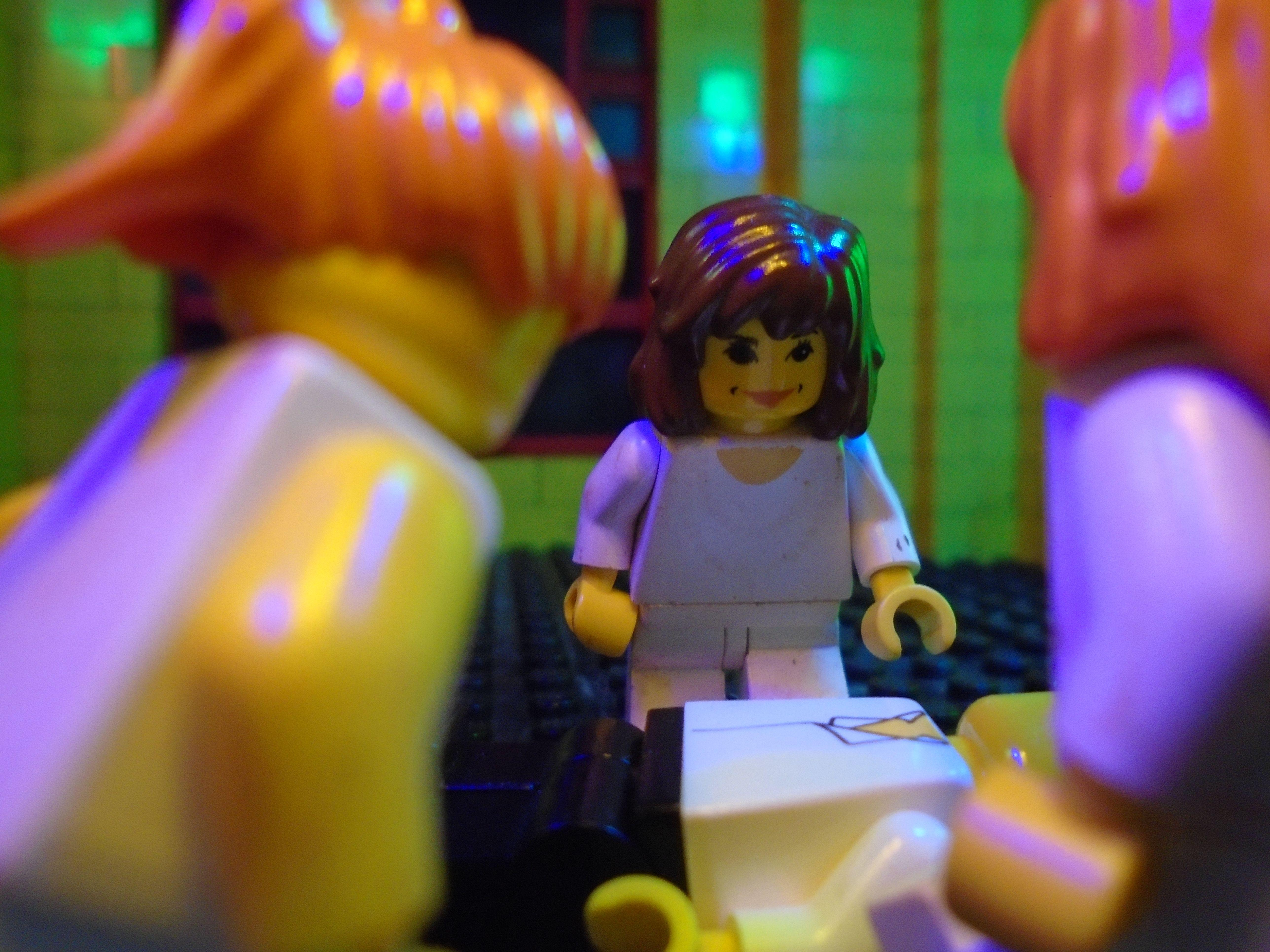 Dracula's Brides Pt.4 Lego Dracula