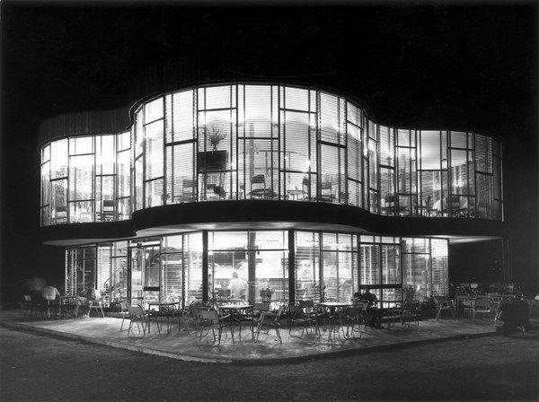 Oliva, Valencia, 1960. Architect: Juan Haro Piñar