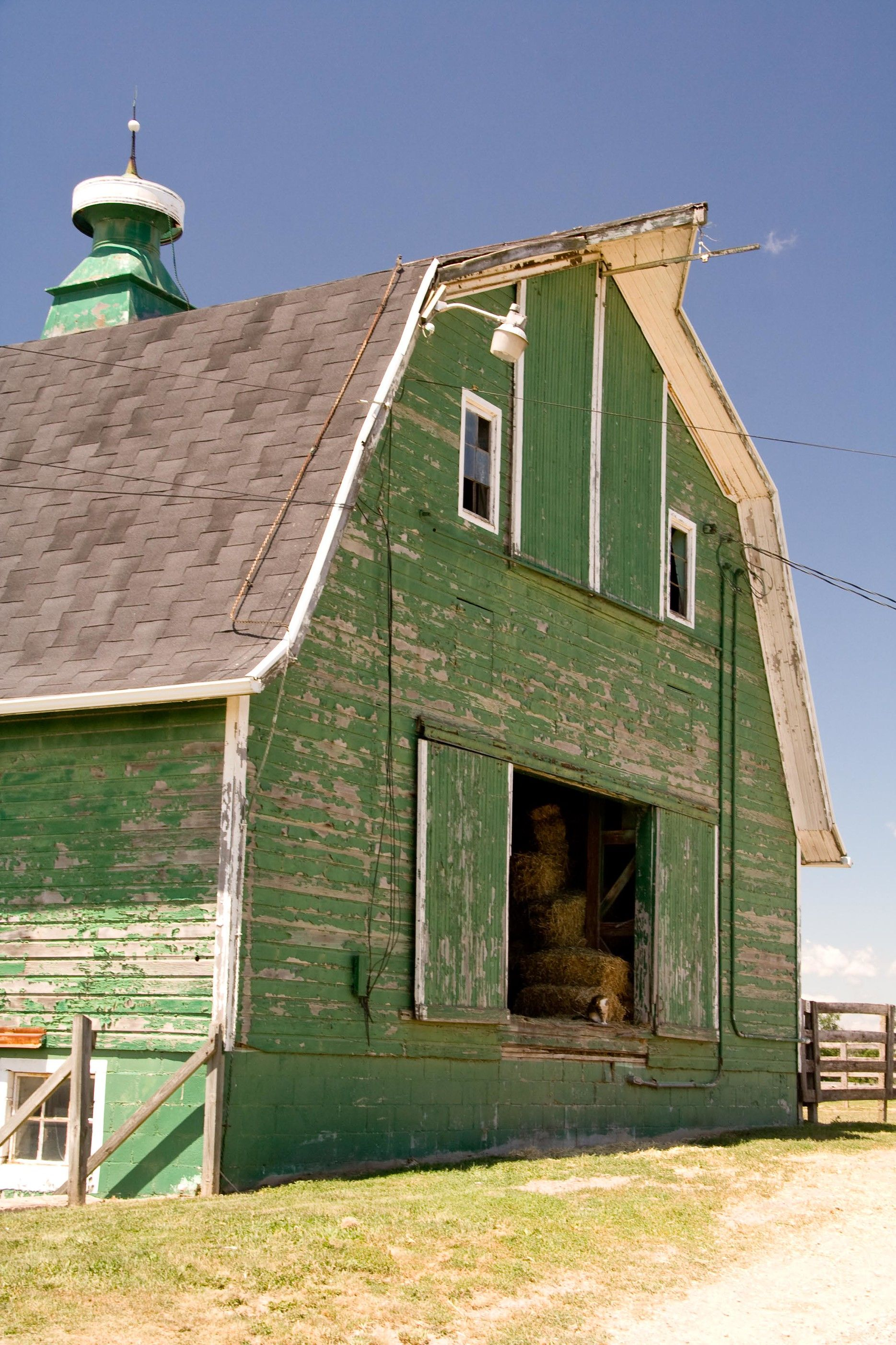 This Ole Barn Could Use A Paint Job