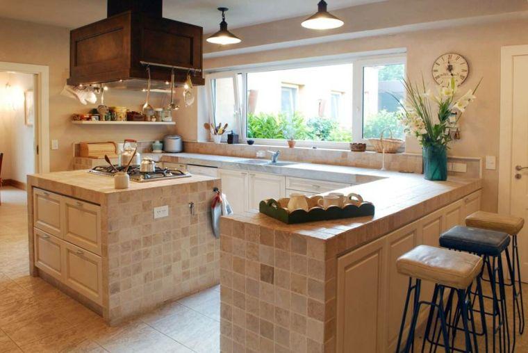 arredamento-cucine-in-muratura-con-isola-mattonelle-quadrate-varie ...