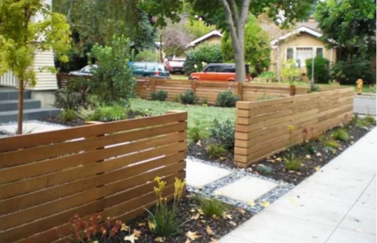 Luxurious Wooden Fence Styles And Designs Front Yard Design Modern Front Yard Front Yard Landscaping Design