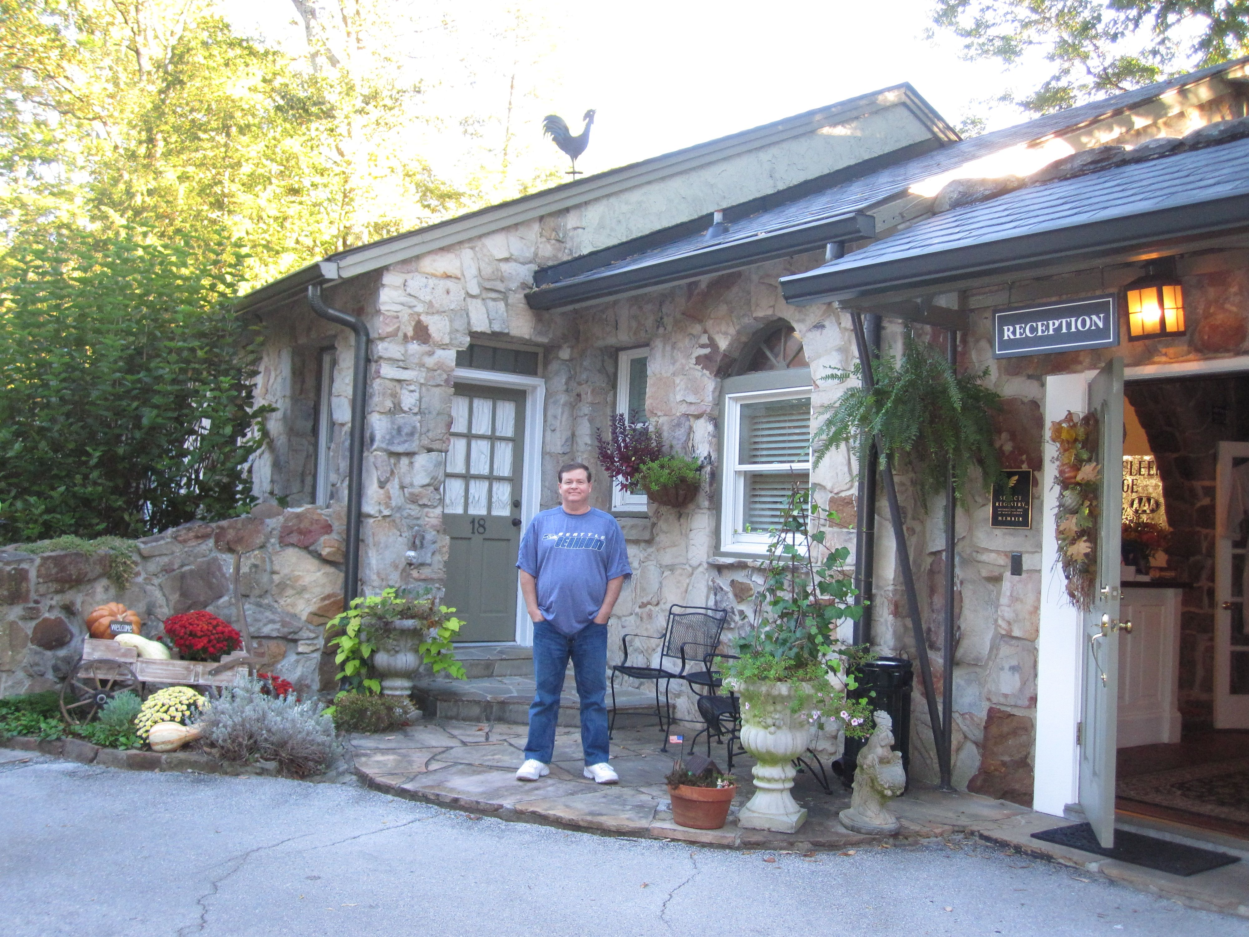 We stayed at the quaint Chanticleer Bed and Breakfast on