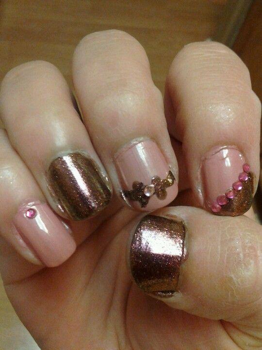 Metallic pink nails