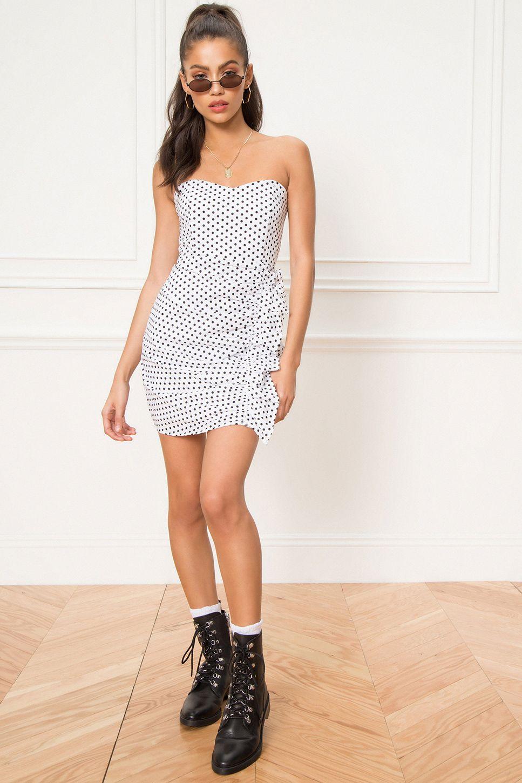 Superdown Jordy Strapless Ruffle Dress Superdown Ruffle Dress Dresses Strapless Ruffle Dress [ 1450 x 967 Pixel ]