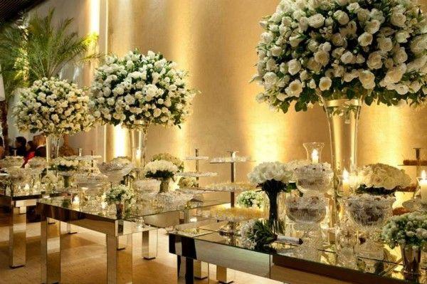 Flores Brancas E Espelhos Casamento Branco Decoracoes De