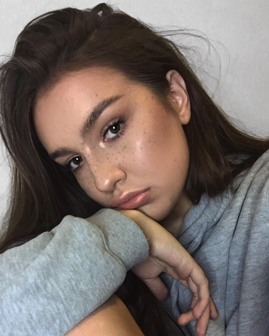 Nose piercing for big nose  ABH Cream Contour Kit in Light for faux freckles u ABH Starlight