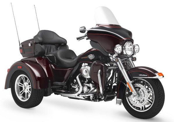 My perfect dream motorcycle...this w/ a trailer hopefully a doggie/pet sidecar, plus a class-A motorhome, should be juuuuuust right. / Tri-Glide Classic Harley...Brad's favorite past time!