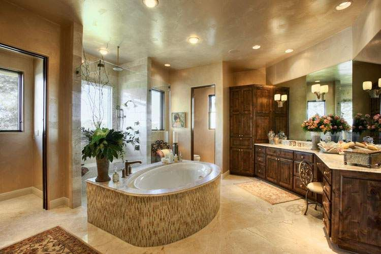 Beautiful Master Bathroom With Jacuzzi Bathtub Beautiful