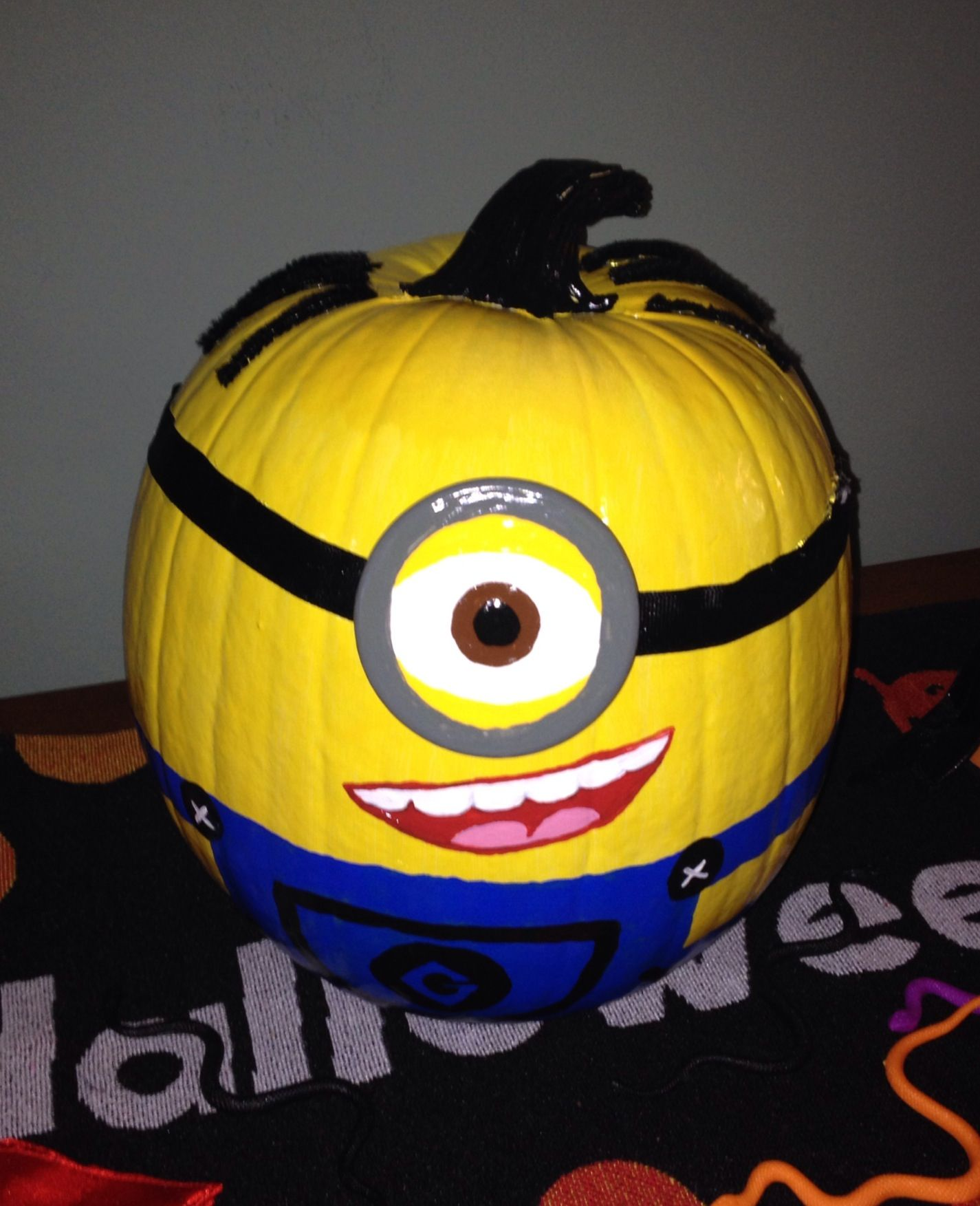 Painting Pumpkins & Carving Pumpkins Using Minions from Despicable Me. Will minions ever go away? Probably not, much like The Simpsons they appear to be here forever and with their pumpkin-like body shape they are a perfect model for carving minion pumpkins or painting minion pumpkins.