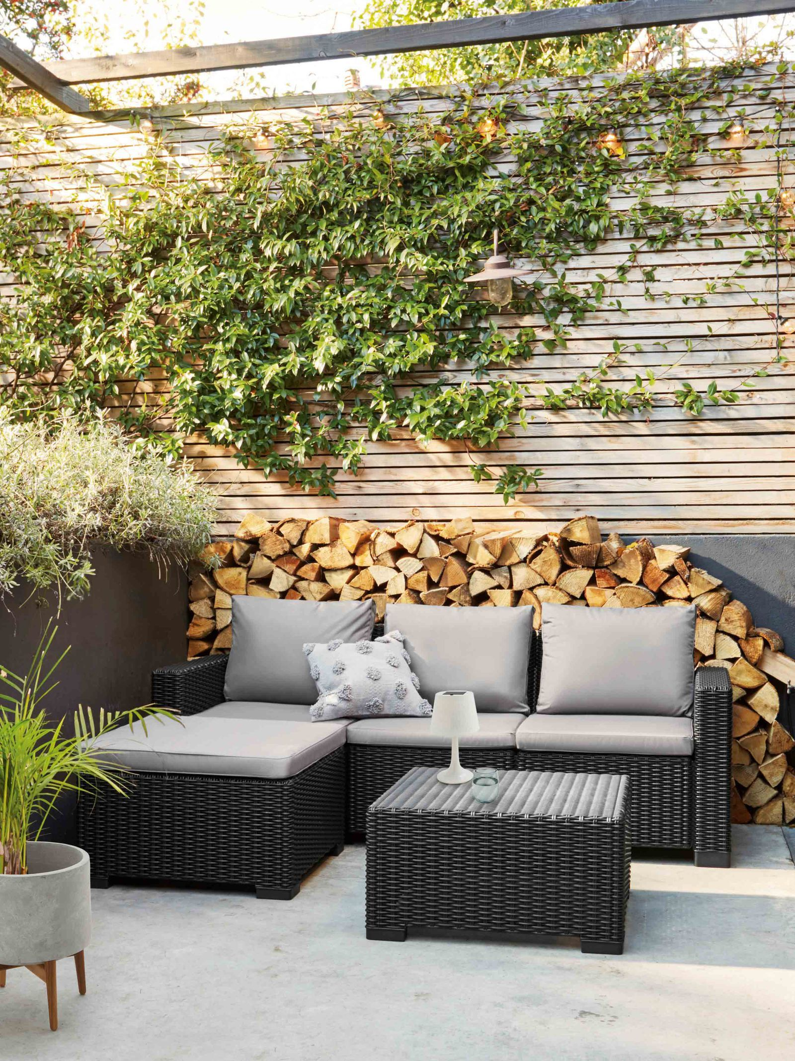 Fantastic 9 Things To Consider Before Creating An Outdoor Garden Room Spiritservingveterans Wood Chair Design Ideas Spiritservingveteransorg