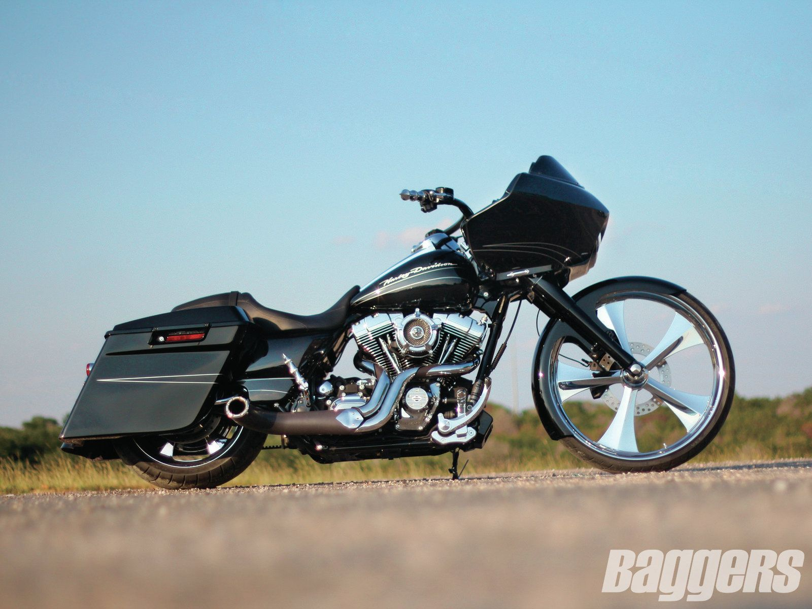 """Road Glide with 26"""" SMT wheel."""