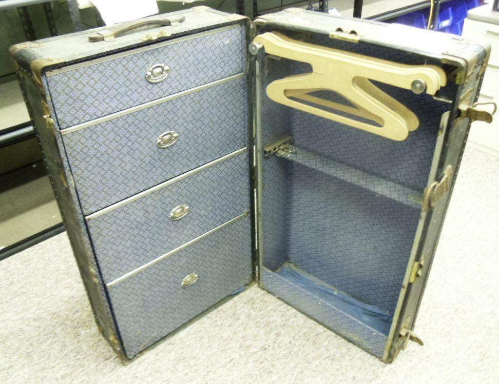 Mendel trunx wardrobe trunk dating