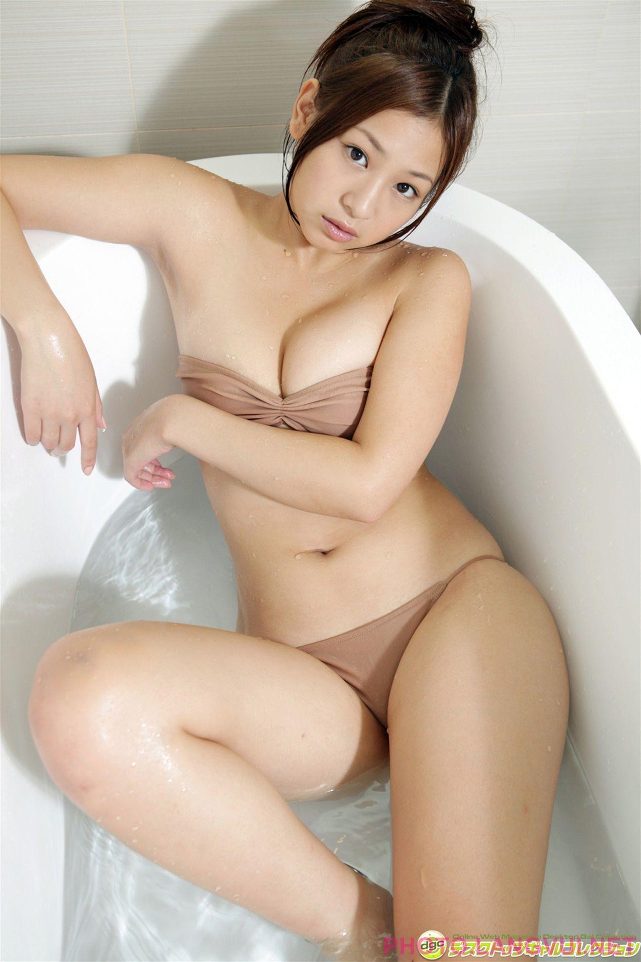 beautiful nude ladies