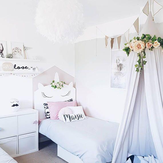Fant stica habitaci n tem tica unicornios habitaciones for Cuarto unicornio nina