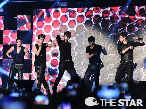 [MEDIA] 17052013 — 2PM IS BACK with Genie @ Gangnam Station M-Stage ⓒTHESTAR via NEWS NATE
