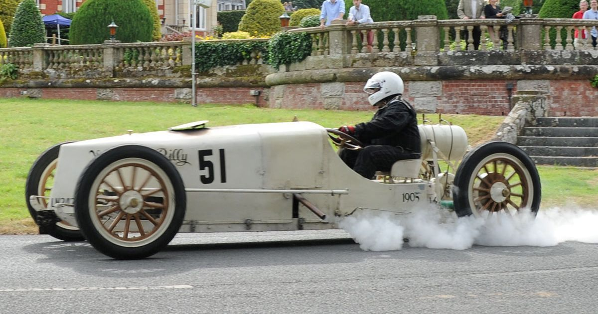 Steam-powered car makes a return to racing after 111 years now BAN ...