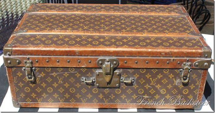 "Vuitton famously said ""show me your luggage and I will tell you who you are.""  I know I make fun of those w/ too much new louis v .... but I must admit, if I every stumbled upon this..I'd love it up!  :)"
