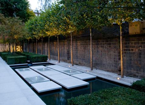 Modern Water Garden Design Modern Urban Garden Designed By Philip Nixon Design Located In Modern Garden Design Urban Garden Design Modern Landscaping