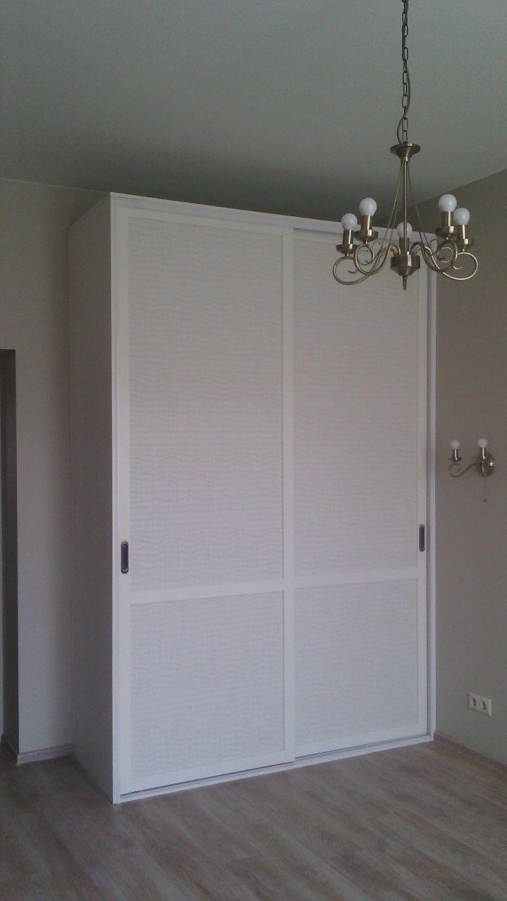 шкаф купе в спальне алюминиевый профиль Holtz фасад