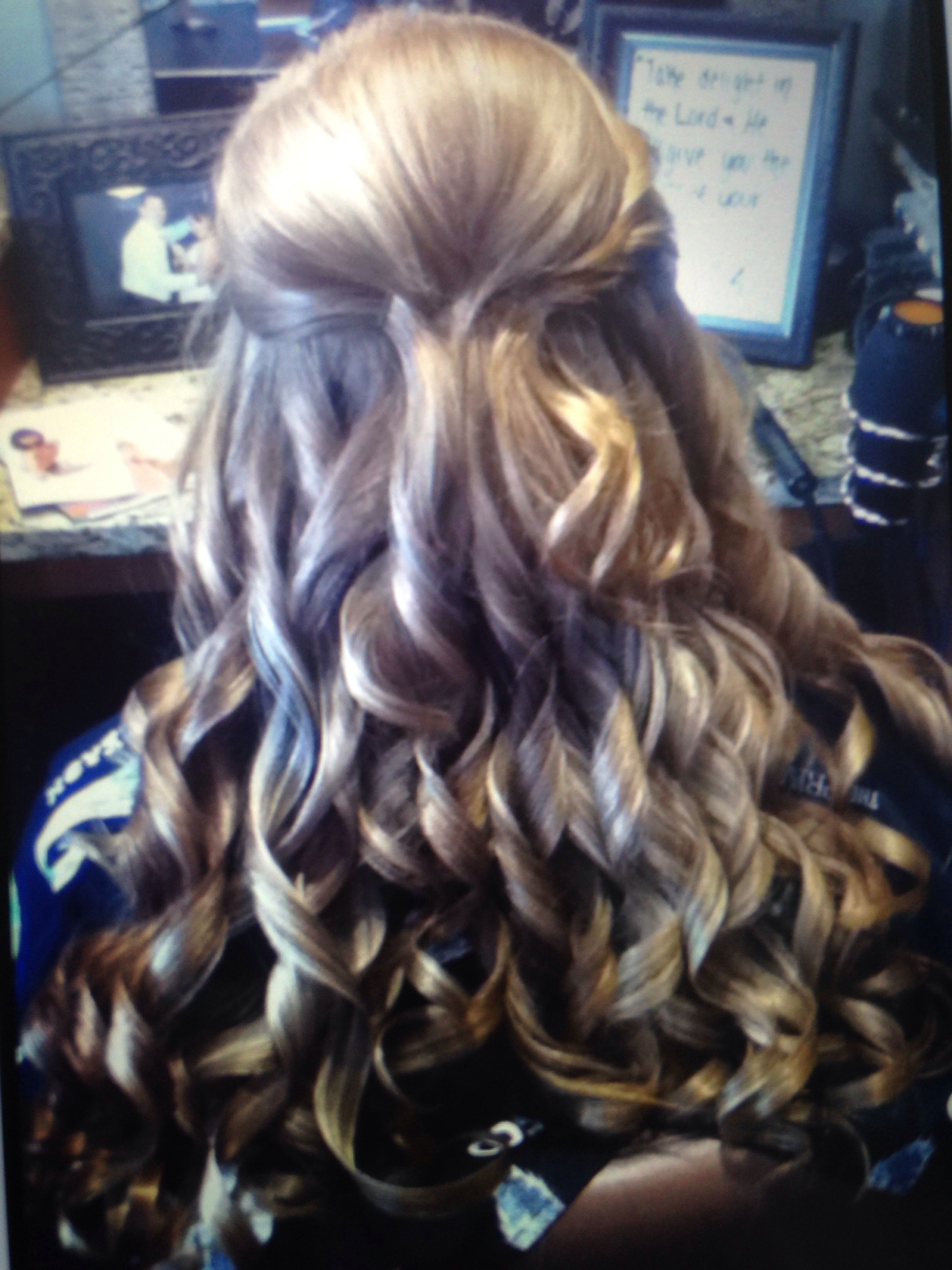 Great hairstyle for formal prom or any special occasion hair